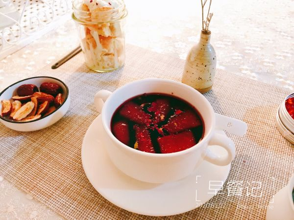 周末微醺甜品|玫瑰红酒梨的做法
