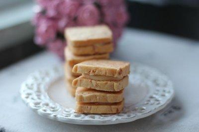 好吃到停不下来 - 椰丝乳酪夹心饼干