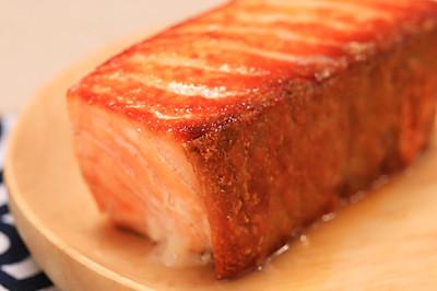 盐煎三文鱼-迷迭香