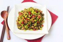 酸菜肉末炒毛豆的做法