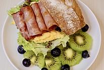 鸡蛋火腿法棍三明治早午餐的做法