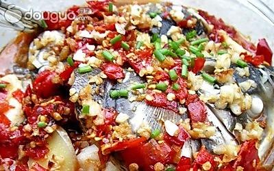 剁椒蒸鲤鱼的做法