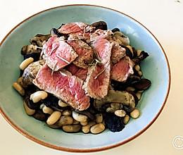 【一锅食|One-pan Meal】蘑菇白腰豆牛排的做法