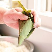 鲜肉鸭蛋黄粽子(内含红豆大枣口味)的做法图解18