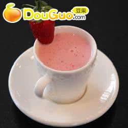 香蕉草莓奶昔的做法