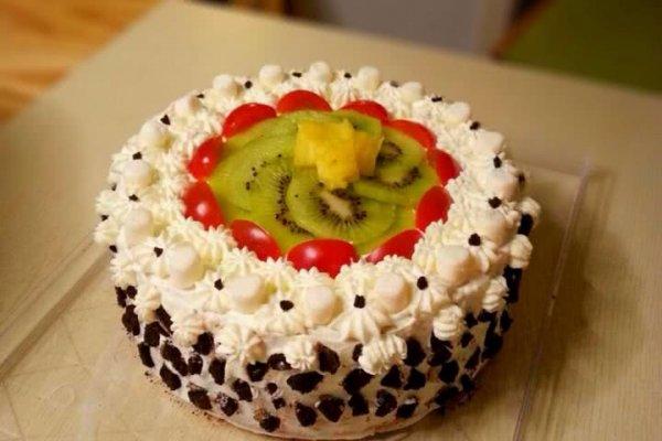 生日裱花水果蛋糕的做法