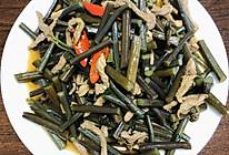 肉丝炒蕨菜的做法
