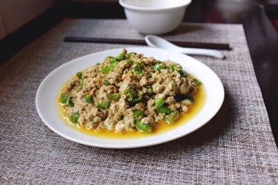 笋干炒臭豆腐
