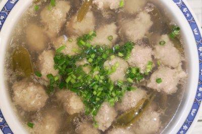 莼菜圆子汤
