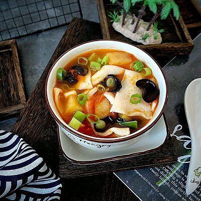 木耳西红柿浇汤面片