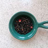 春日里的一杯温暖—玫瑰蜜豆烤奶茶#餐桌上的春日限定#的做法图解1