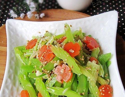 芝麻拌芹菜