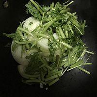 春意盎然之茼蒿炒洋葱的做法图解4