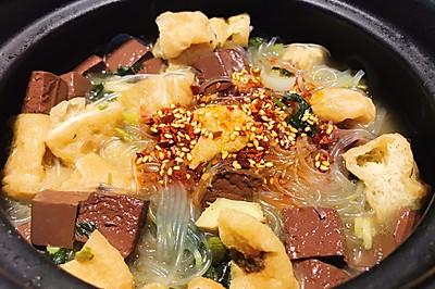 用简便的方法复刻餐厅美味:鸭血粉丝汤