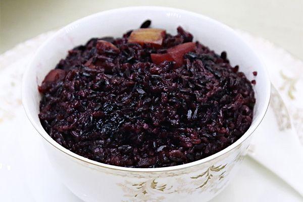 """香甜黑米红枣饭:""""黑珍珠""""的养生情怀的做法"""