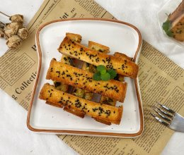 #全电厨王料理挑战赛热力开战!#蜂蜜吐司条vs蒜香吐司条的做法