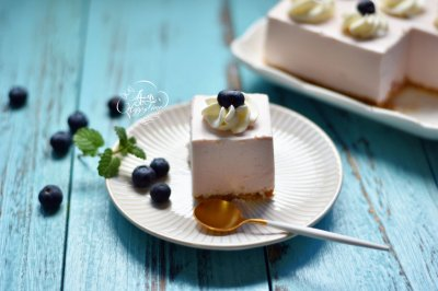 蓝莓酸奶慕斯蛋糕(免烤版)