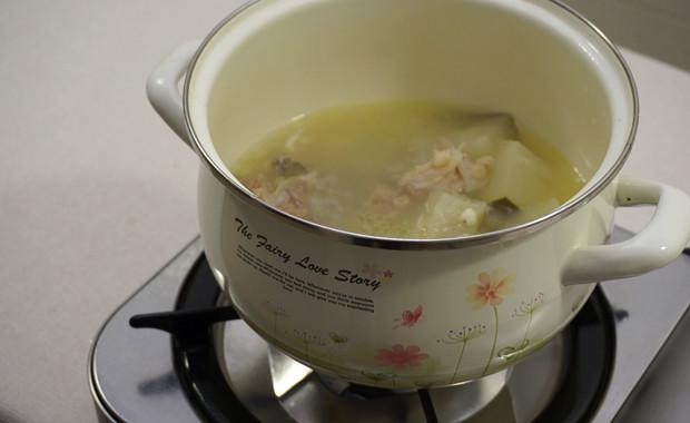 薏米冬瓜排骨汤 祛湿排毒