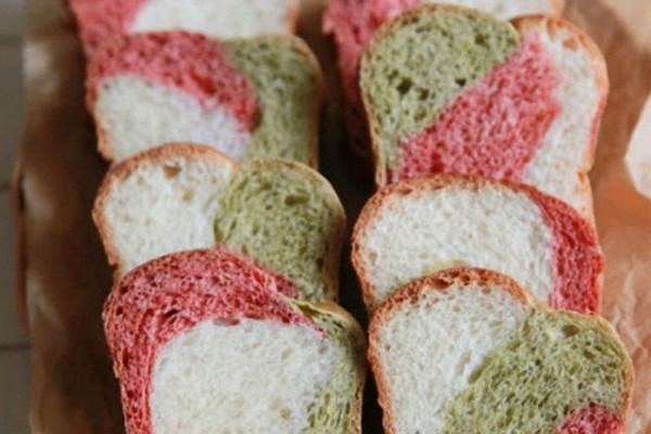 【绚烂的吐司面包】的做法