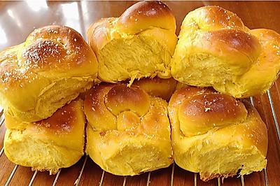 手揉面包四:不加水的南瓜老面包