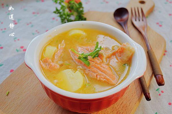 橄露Gallo经典特级初榨橄榄油试用之【三文鱼骨汤】的做法