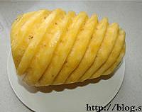 菠萝果酱的做法图解1