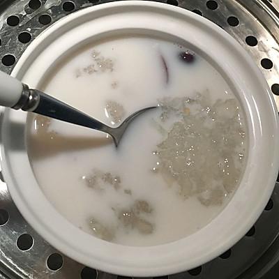 椰汁炖雪蛤