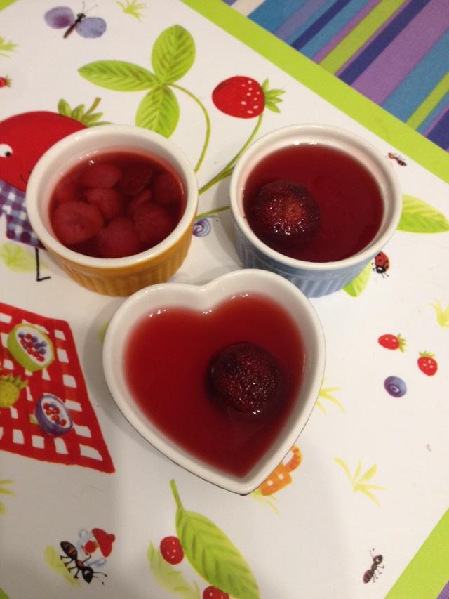 主料 糖水杨梅适量 杨梅汤600ml 卡拉胶6g 杨梅果冻的做法步骤