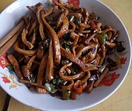 卤豆干炒辣椒的做法