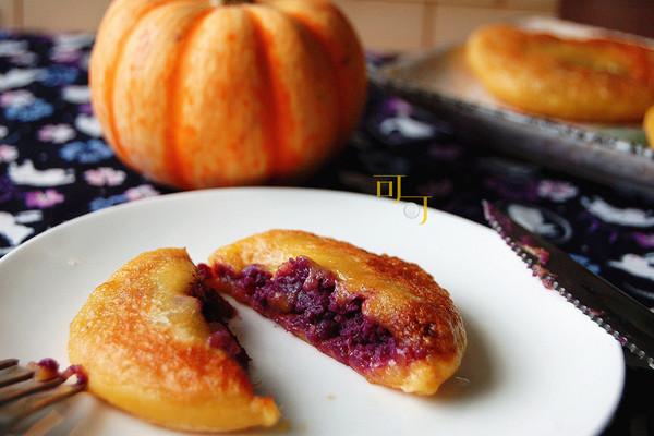 南瓜紫薯饼:金衣紫心,高颜值点心的做法