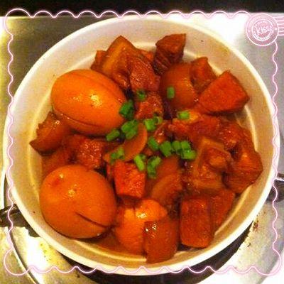 红烧肉烧蛋(家常菜,下饭绝佳)