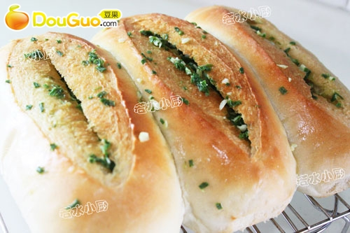 香葱蒜味咸面包