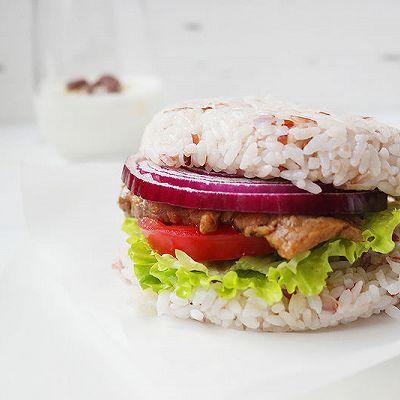 减脂期快餐牛肉米汉堡