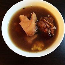 粉葛煲鯽魚湯