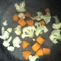 彩蔬蛋皮肉肠串的做法图解3