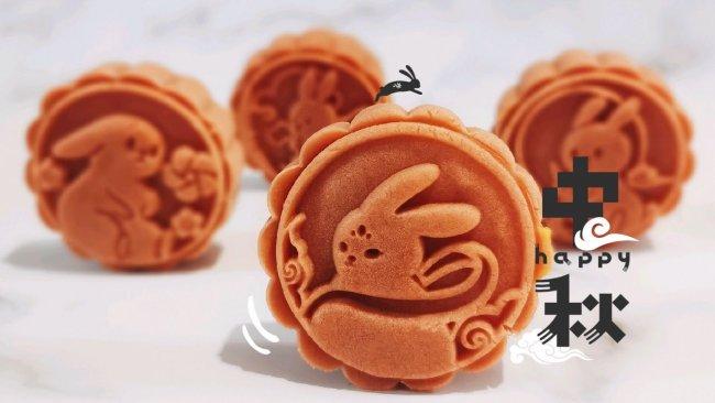 #晒出你的团圆大餐#兔兔桃山皮莲蓉流心月饼的做法