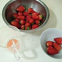 【春天草莓季】草莓酸奶冰淇淋(雪糕?的做法图解2