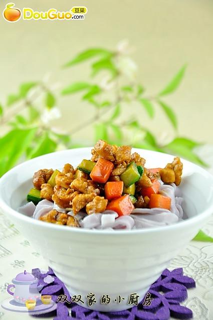 天然色素:紫薯面条的做法