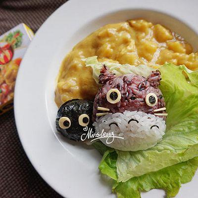 龙猫和小精灵咖喱_饭团