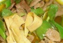 尖椒干豆腐炒肉的做法