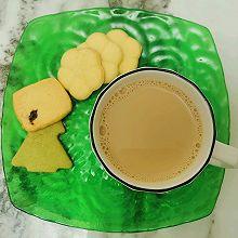 """#美食说出""""新年好""""#好喝的焦糖奶茶,奶香浓郁"""