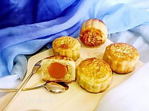 莲蓉蛋黄月饼【图片】