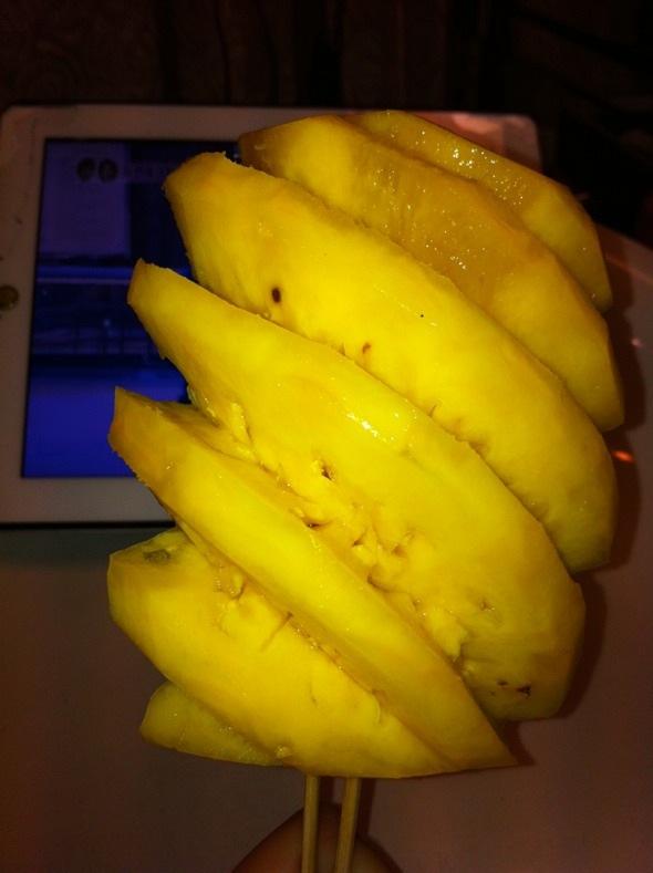 菠萝纸质手工制作