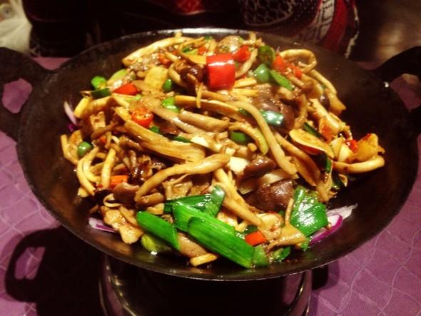 干锅茶树菇,酸汤肥牛_叮咦的美食日记