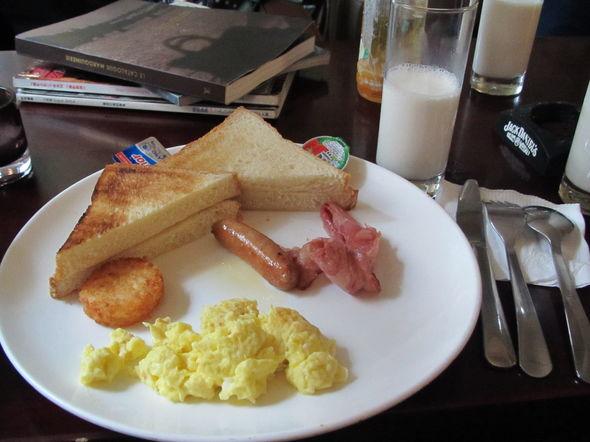 2 张 标签:          青岛早餐bunch煎蛋香肠牛奶套餐西餐好吃美味
