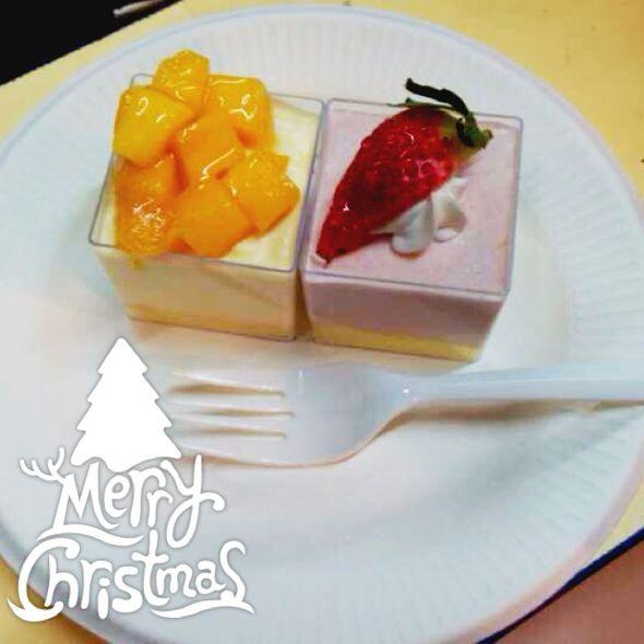 草莓和芒果双拼蛋糕