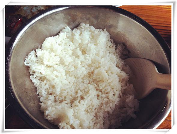 梦见煮米饭没有熟