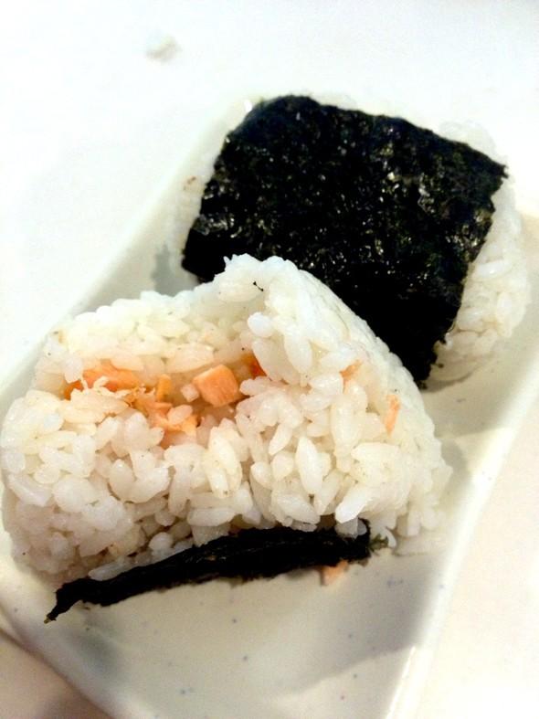三文鱼饭团子