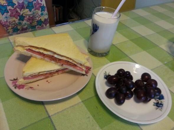 唐唐早餐1(三明治+牛奶+水果)