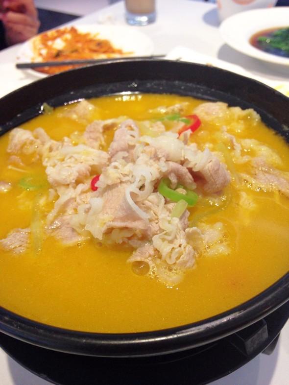 面,蟹粉豆腐,五谷杂粮,蒜蓉凤尾虾,白灼冰草,金汤小米炖鲜